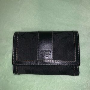 Couch wallet